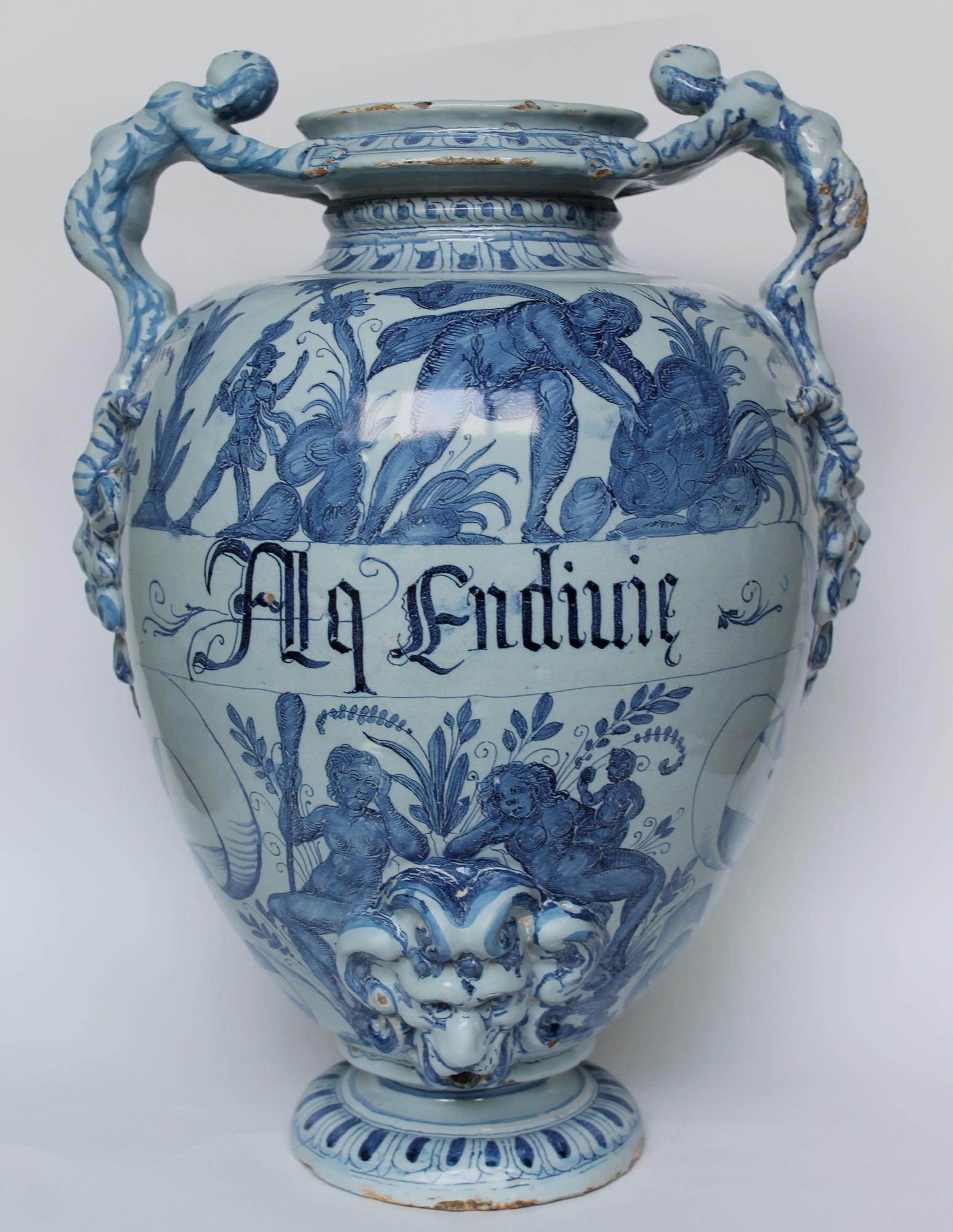 Restauro di un vaso da farmacia savonese per la mostra Turcherie suggestioni dell'arte Ottomana a Genova